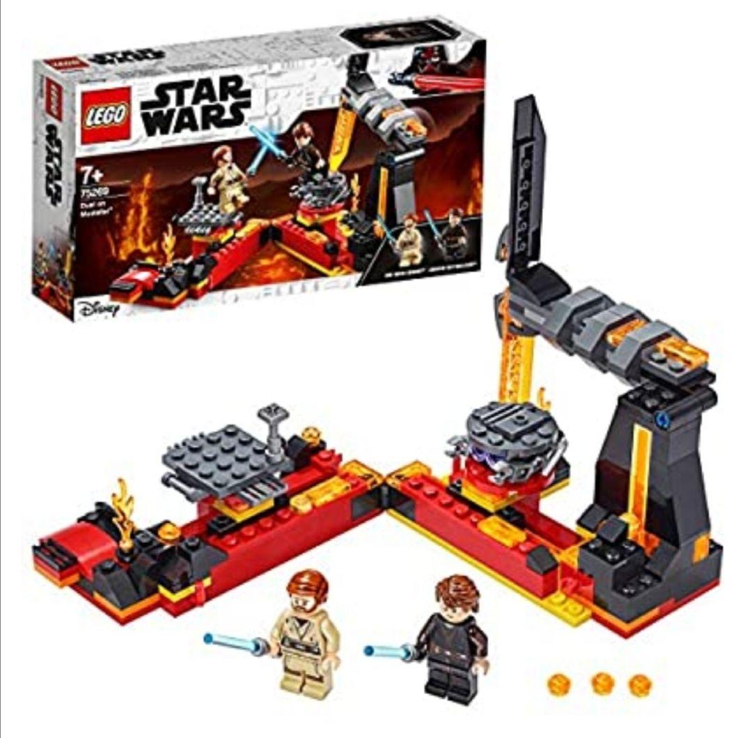 LEGO Star Wars - Duelo en Mustafar, Set de Construcción de la Película Guerra de las Galaxias, con Plataformas Giratorias Deslizante