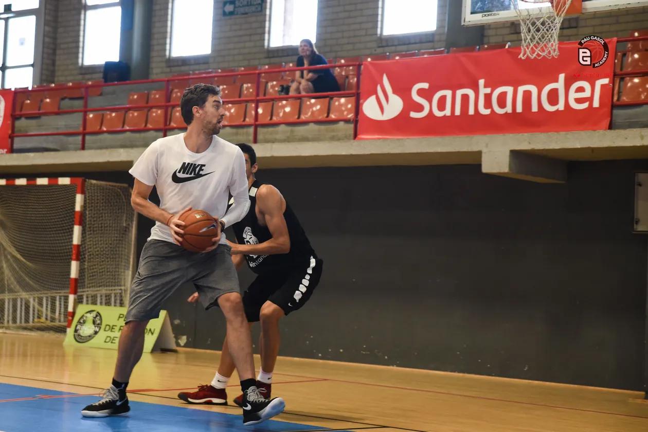 Aprende a jugar al baloncesto gratis de la mano de Pau Gasol