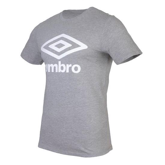 Camiseta Umbro (varios colores) y mochilas cuerdas