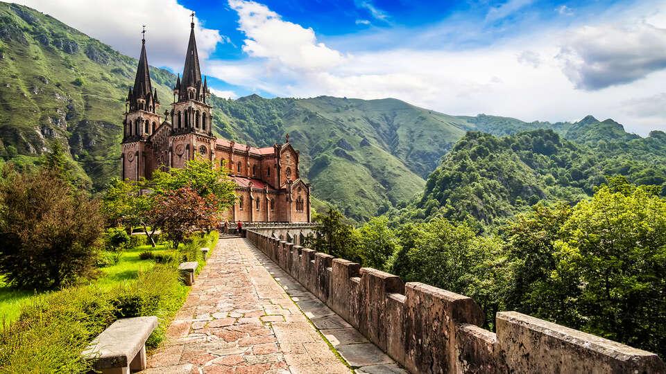 Escapada con Visita al Museo de Covadonga