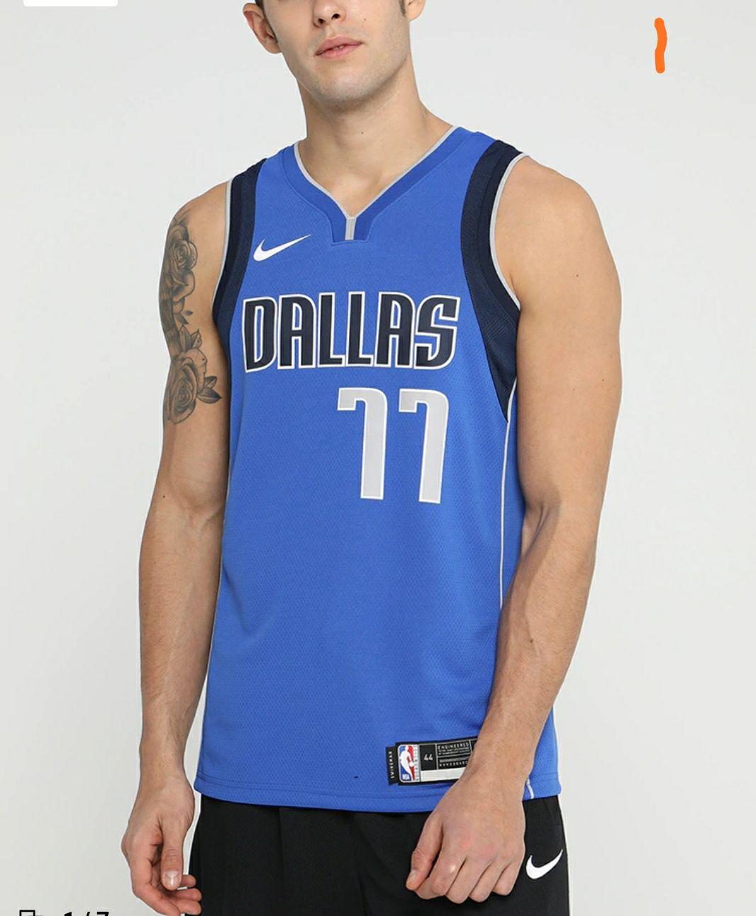 Camiseta Nike NBA Luka Doncic. Todas las tallas menos L.