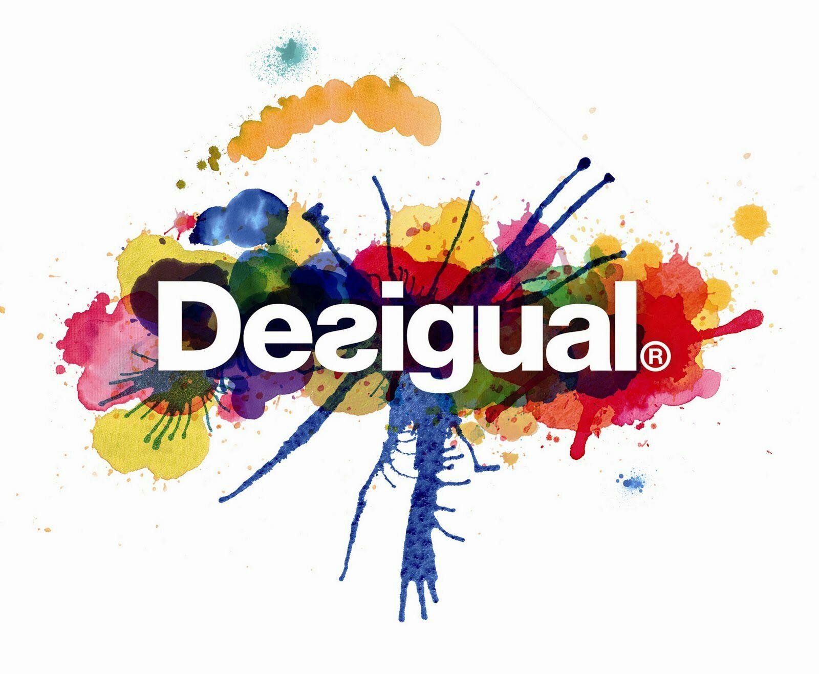 Desigual - Cyber Monday -50% ofertas en ropa de mujer