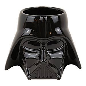 Taza de cerámica con el casco de Darth Vader