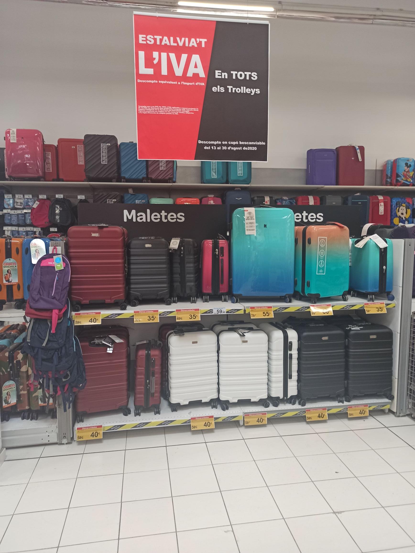 Liquidación maletas. Carrefour el Prat.