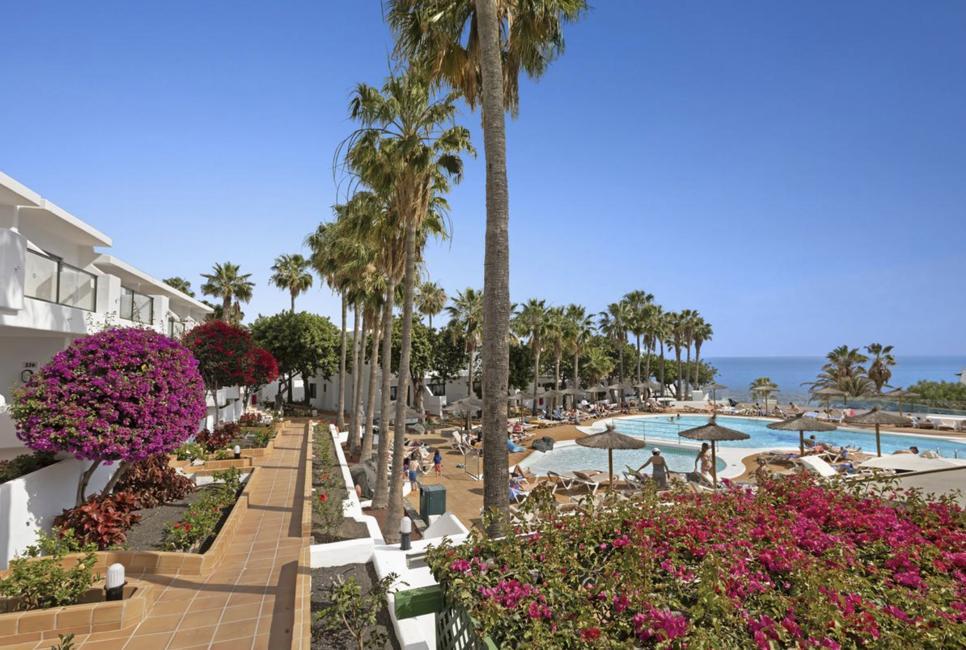 SEPT Lanzarote Media Pensión 155€/p= 3 noches en hotel 3* + vuelos desde Sevilla