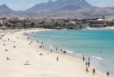 SEPT Fuerteventura 7 días = Vuelos + alojamiento + coche de alquiler