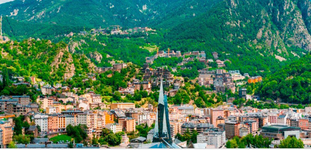Andorra 2 Noches hotel 4* + Desayunos + Botella Cava + Cancelación gratis (Varias fechas) (PxP)