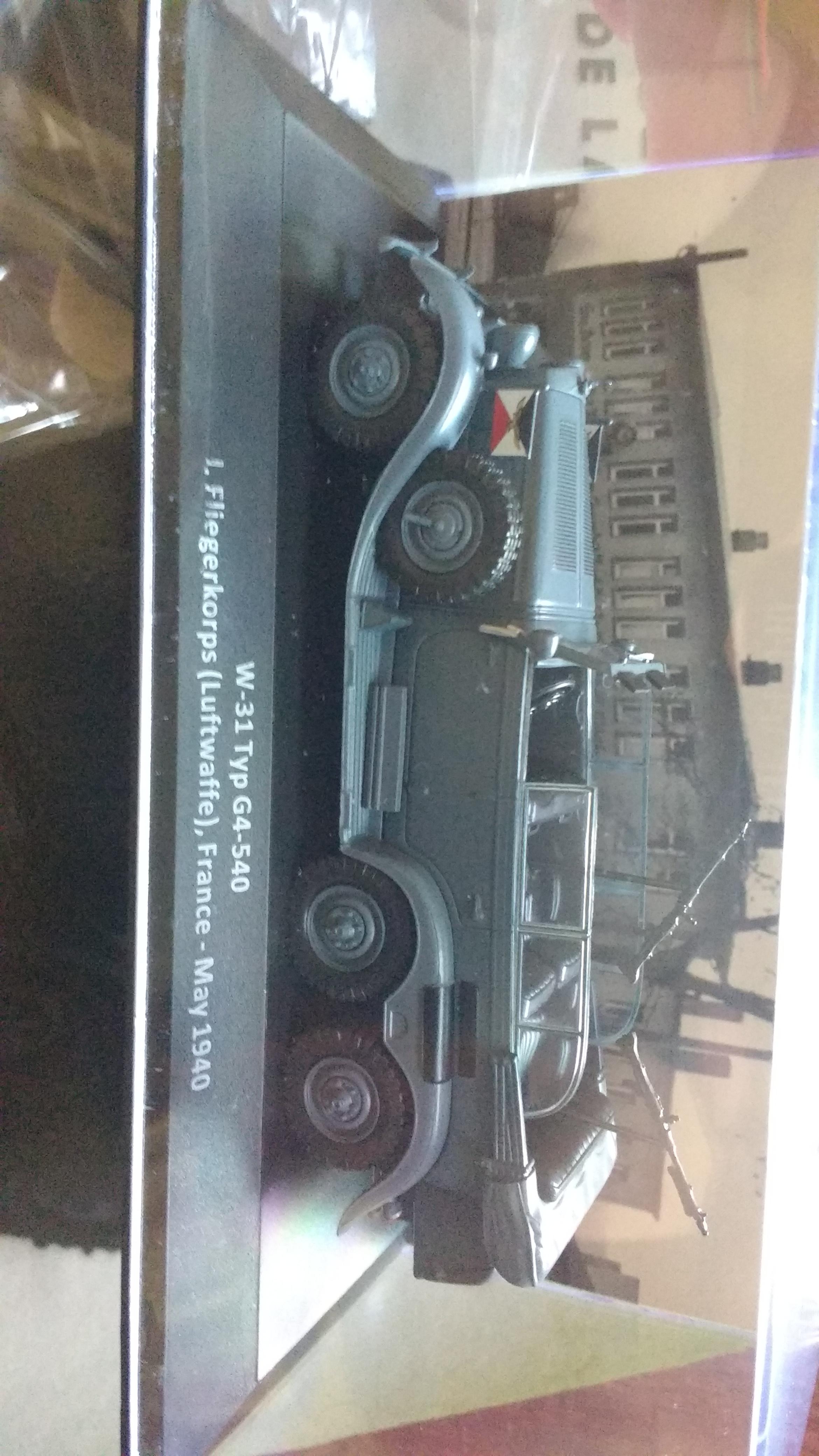 Oferta lanzamiento escala 1:43, fascículo 1 coches militares segunda guerra mundial