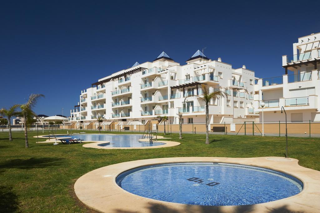 Roquetas de Mar 75€/p= 6 noches en apartamento para 4 personas