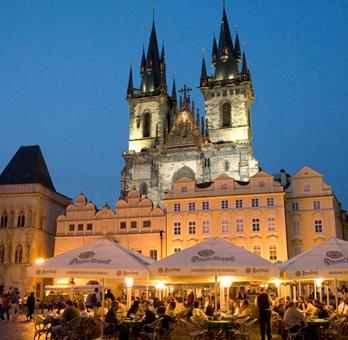 Praga: 3 noches en hotel 4* con desayunos y vuelos 136€ por persona
