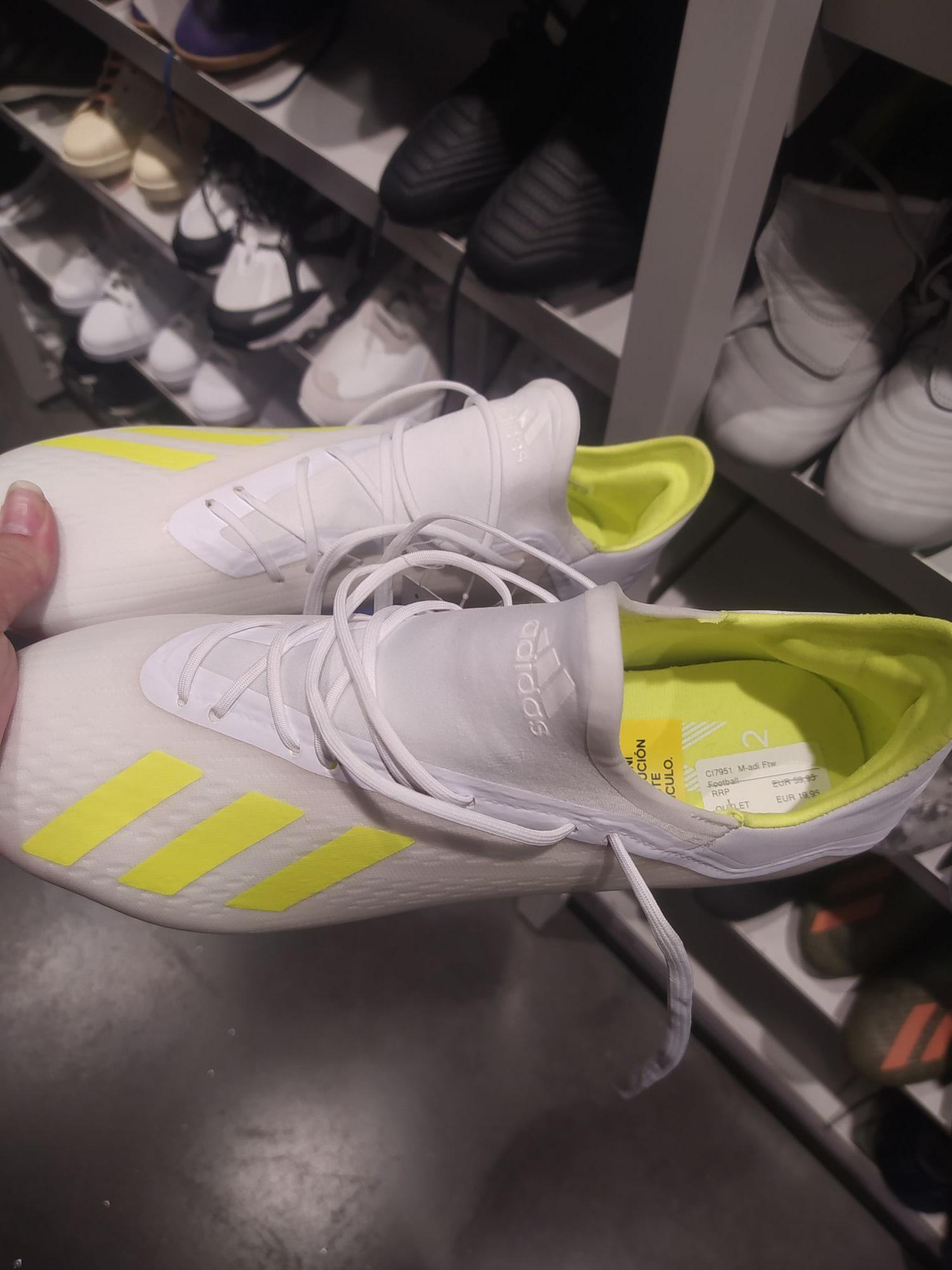 Botas de fútbol adidas 19.2 (en la tienda Adidas de Vega del Rey, Camas)