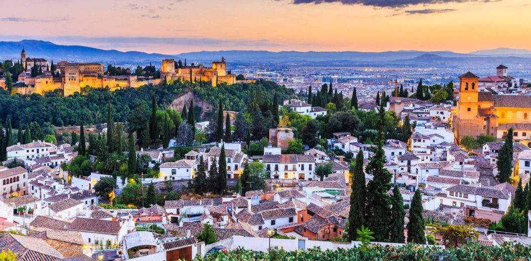 Granada 2 noches hotel3* + Desayunos + Botella Cava (Muchas fechas) (PxPm2)