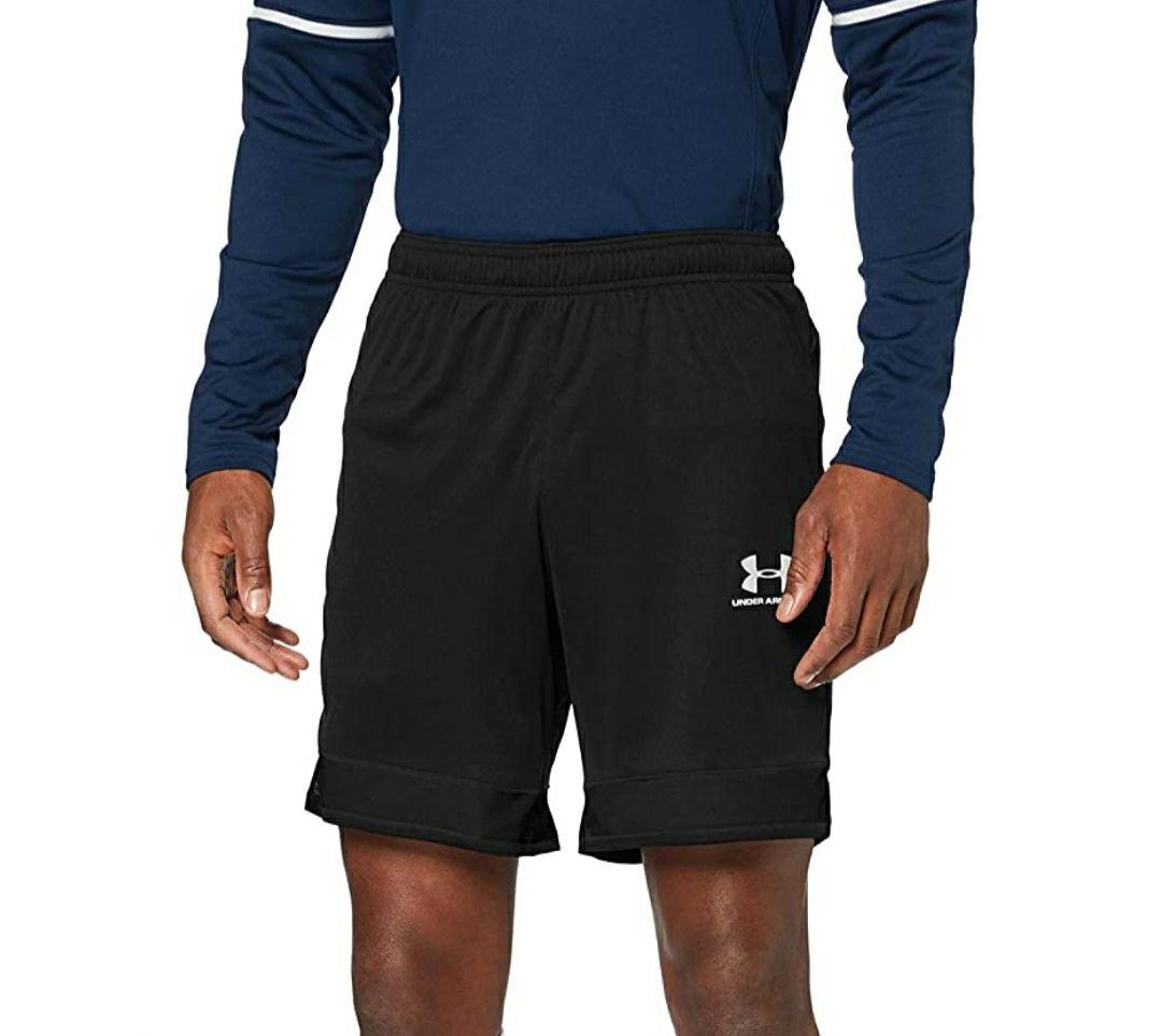 Pantalón corto UNDER ARMOUR negro