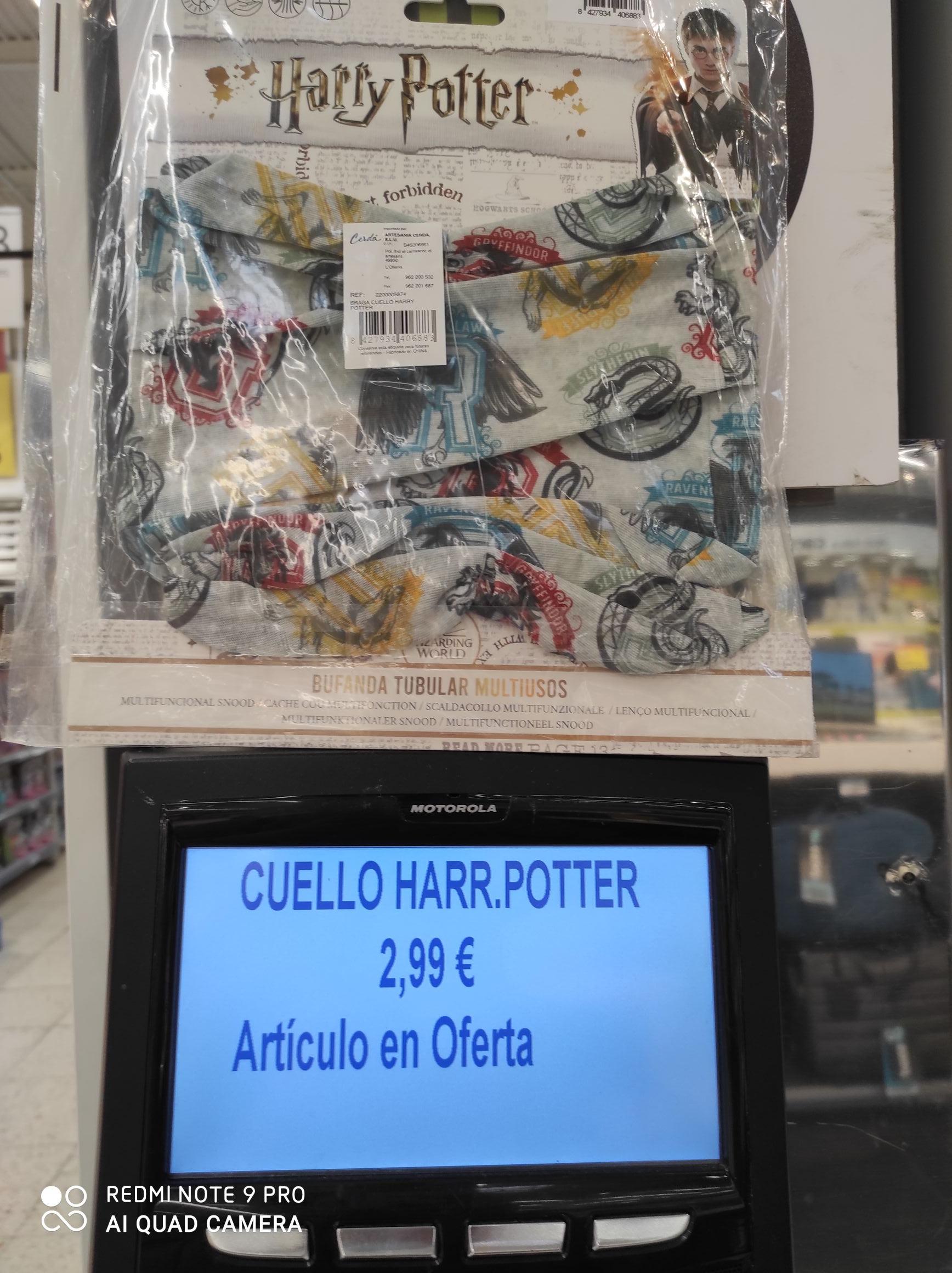 """Bufanda tubular ""de Harry Potter. Carrefour Manresa"