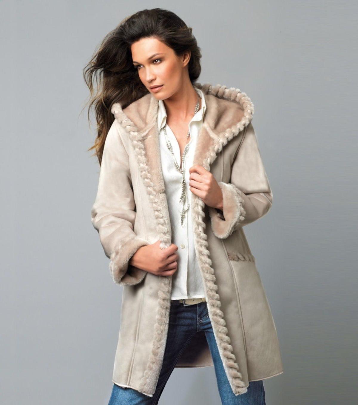 Abrigo mujer con capucha forrado de pelo (talla 42/44)