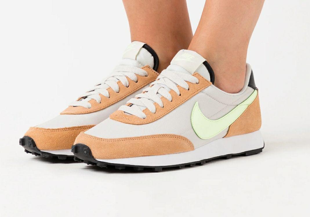 Nike daybreak todas las tallas de la 36 a la 43. Otro color en descripción.