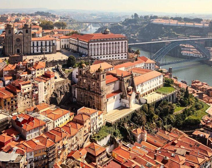 Oporto 3 noches de hotel 2*(centro) + Vuelos (Varios aeropuertos y fechas) (PxPm2)