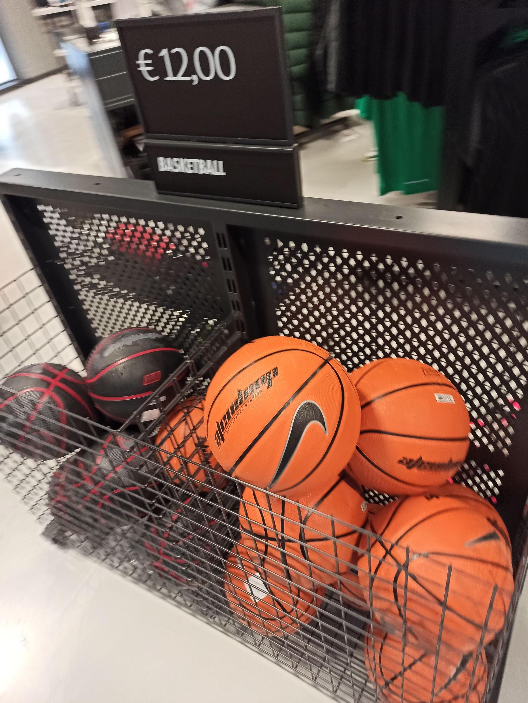 Balón baloncesto nike (Las Rozas)