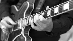 5 Cursos para aprender a tocar la guitarra de Udemy [GRATIS] *[EN INGLÉS]*