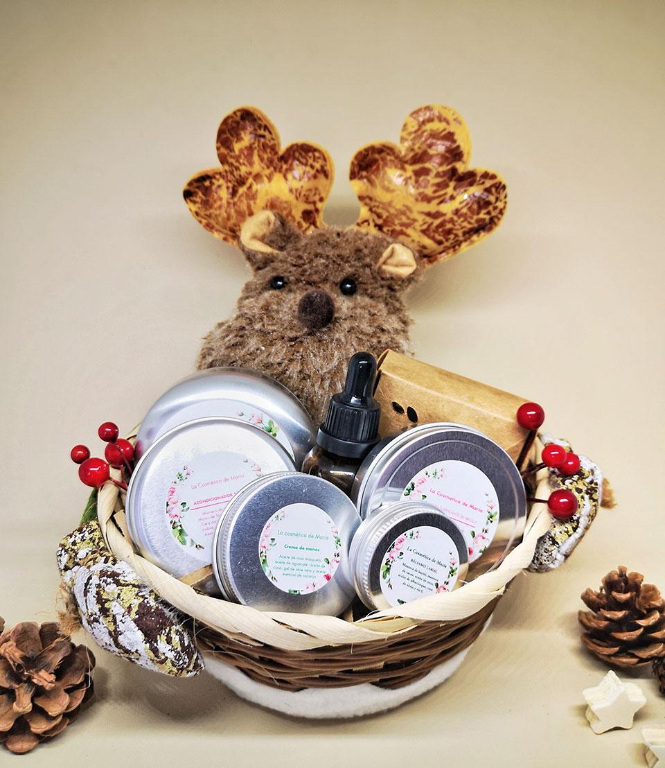 Cesta navidad reno de cosméticos artesanales