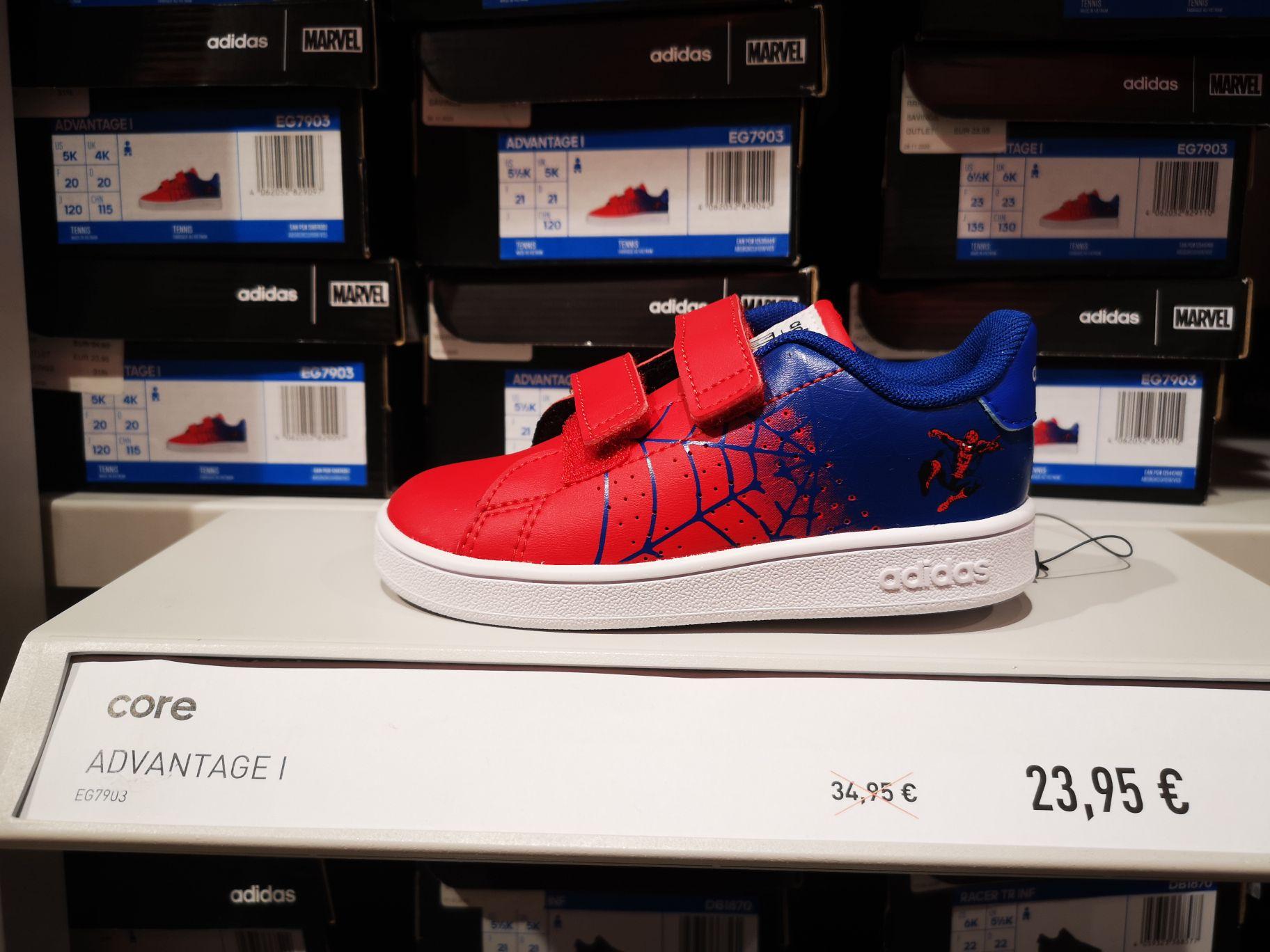 Adidas Core Advantage Spiderman de niño