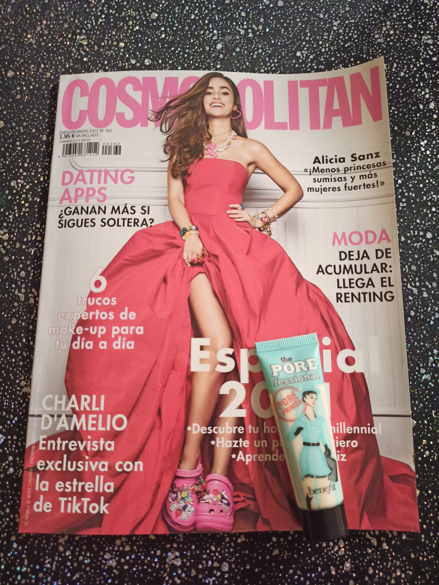 Prebase de maquillaje Benefit minimizador de poros con la revista Cosmopolitan