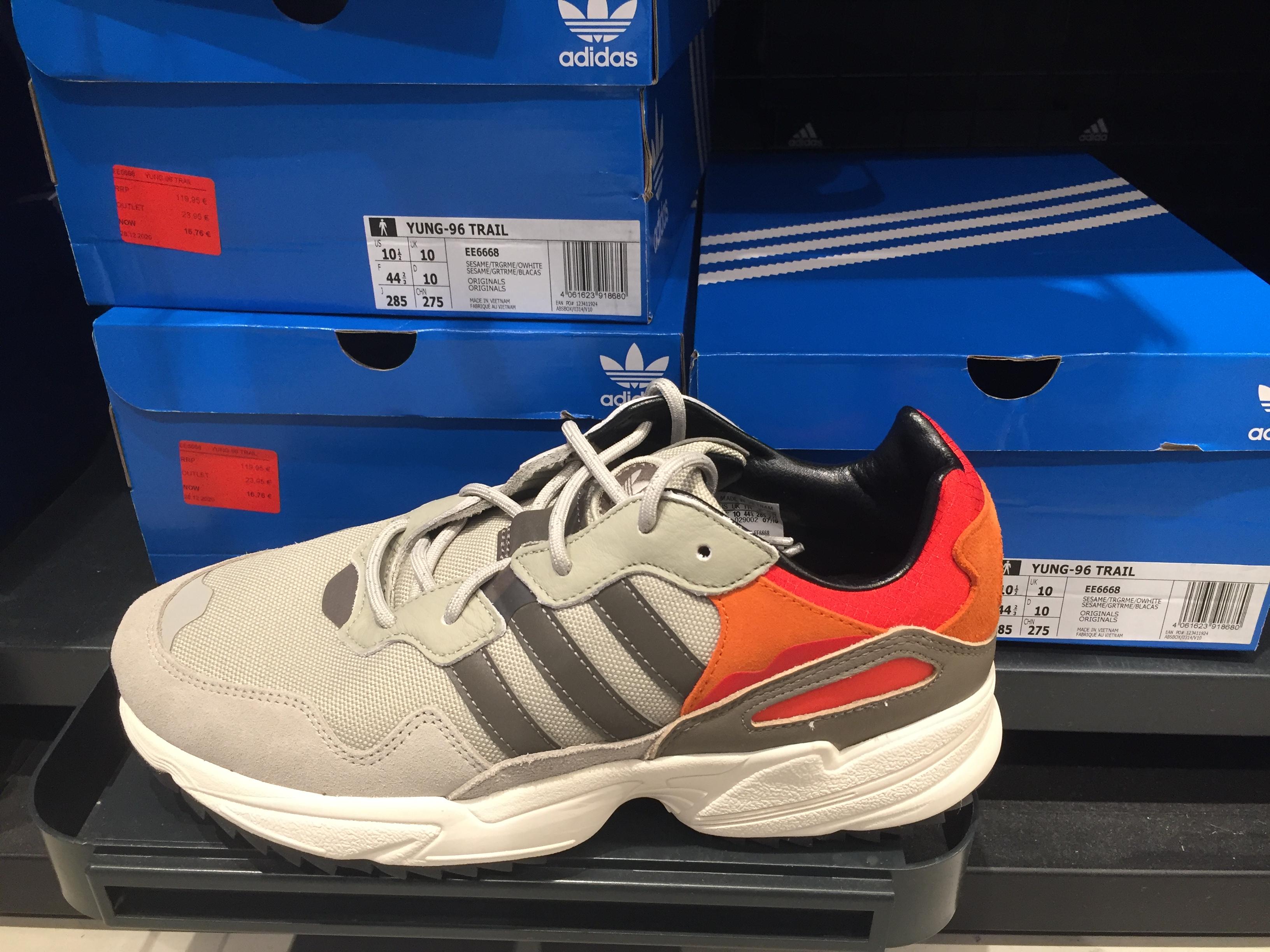 Aumentar cualquier cosa Humanista  Adidas Yung-96 Trail por 16,76€ Y Centro comercial Mcarthur Glen »  Chollometro