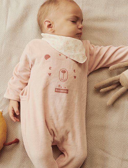 Pijama de terciopelo + babero Kiabi varios colores