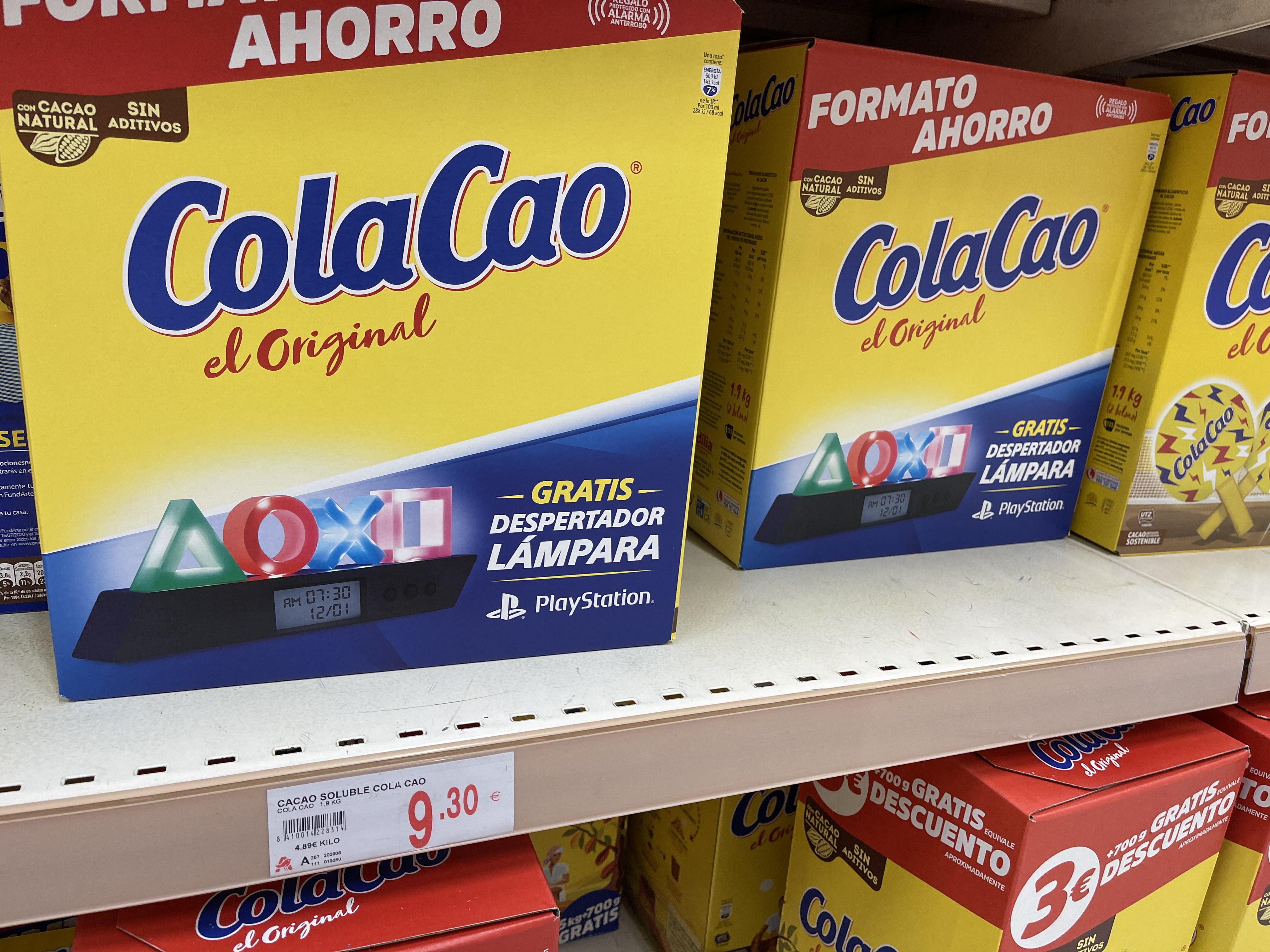 Cola cao 1900g + Lámpara Playstation (Alcampo Murcia)