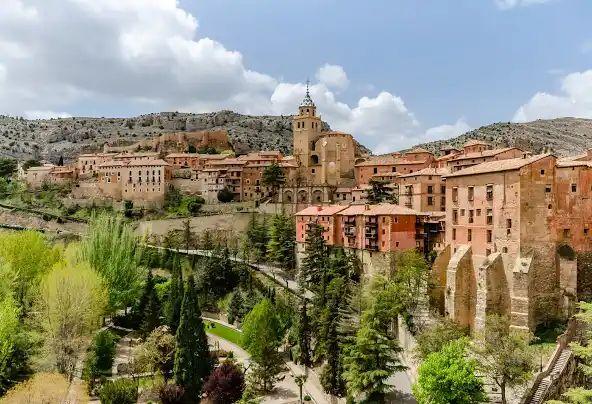 Finde por 12€/persona en Sierra de Albarracín en antiguo Palacio