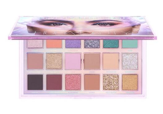 25% en la paleta de sombras Mercury Retrograde de Huda Beauty en Sephora