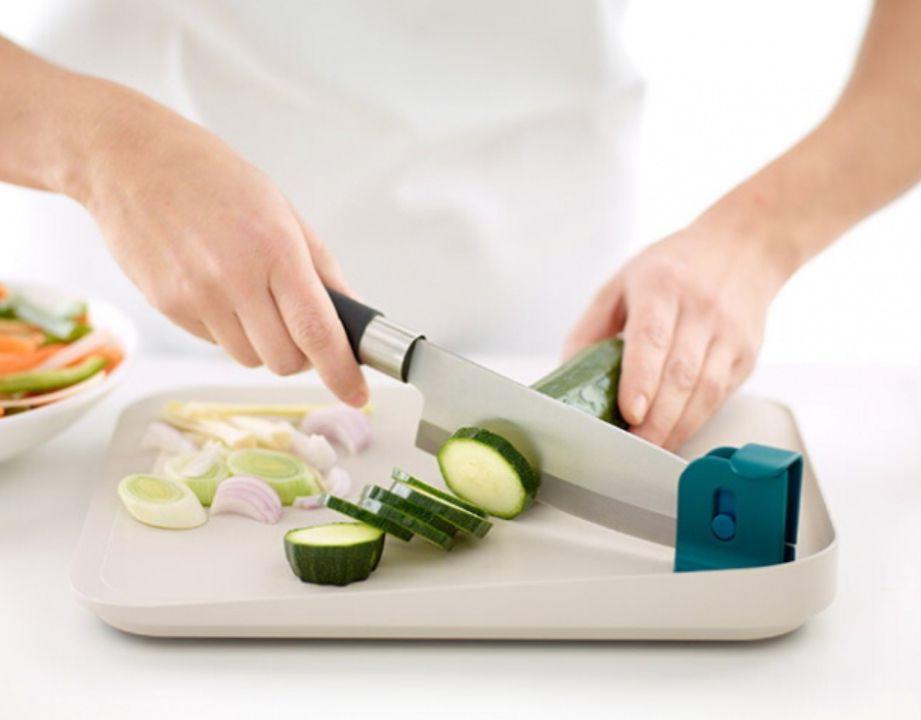 LÉKUÉ Tabla de cortar con fijación para cuchillo
