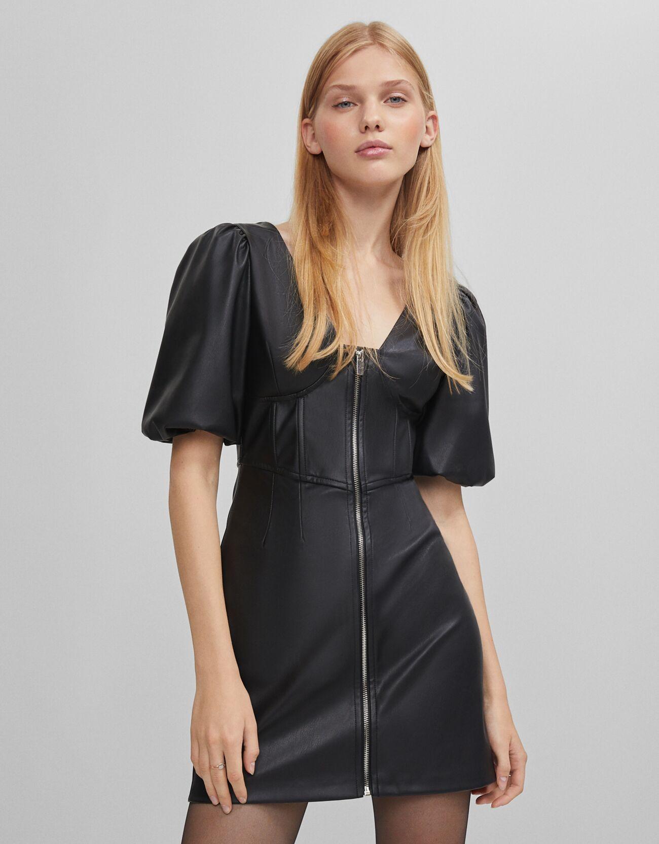 Vestido negro efecto piel