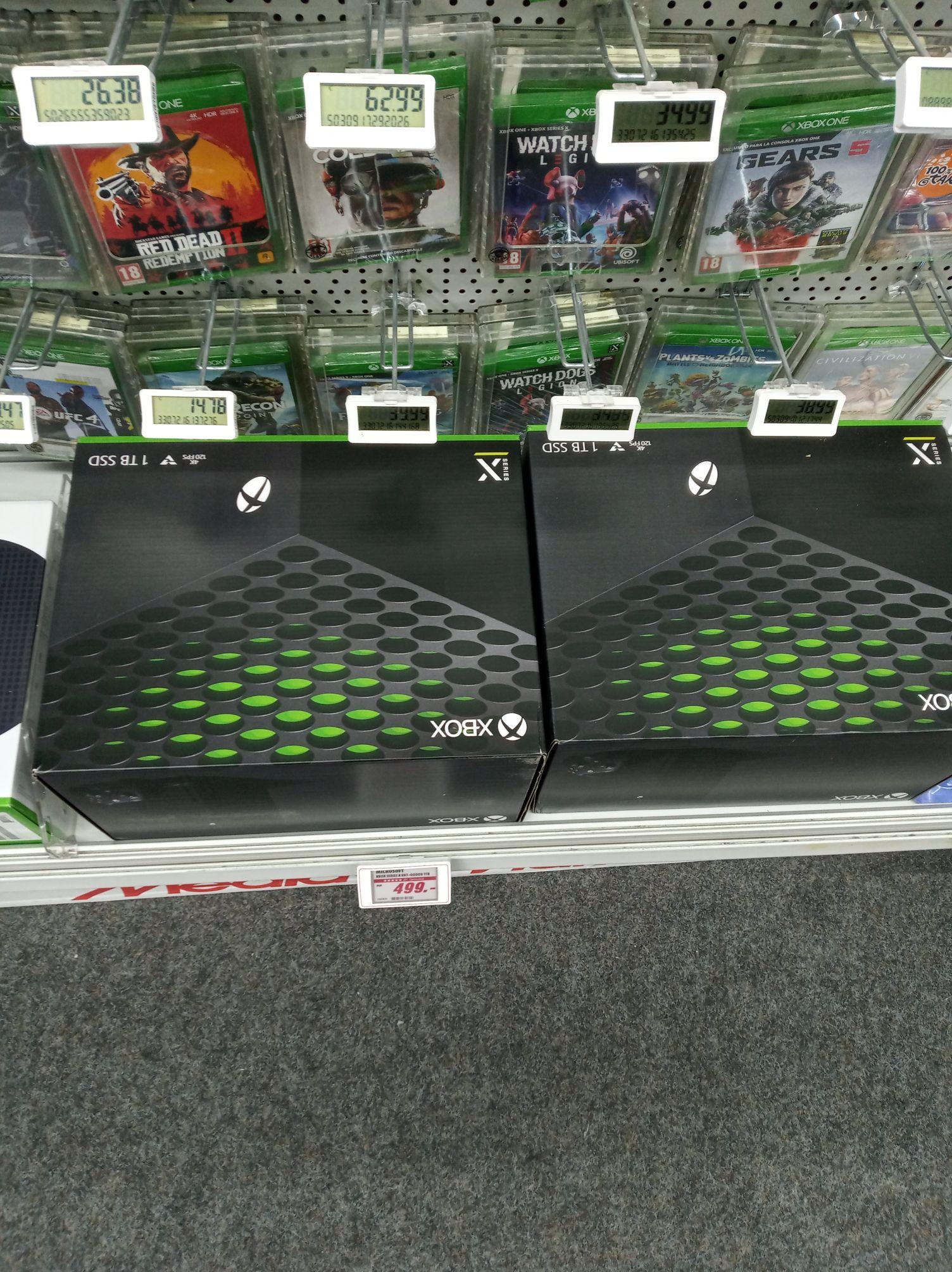 Stock Xbox Series X