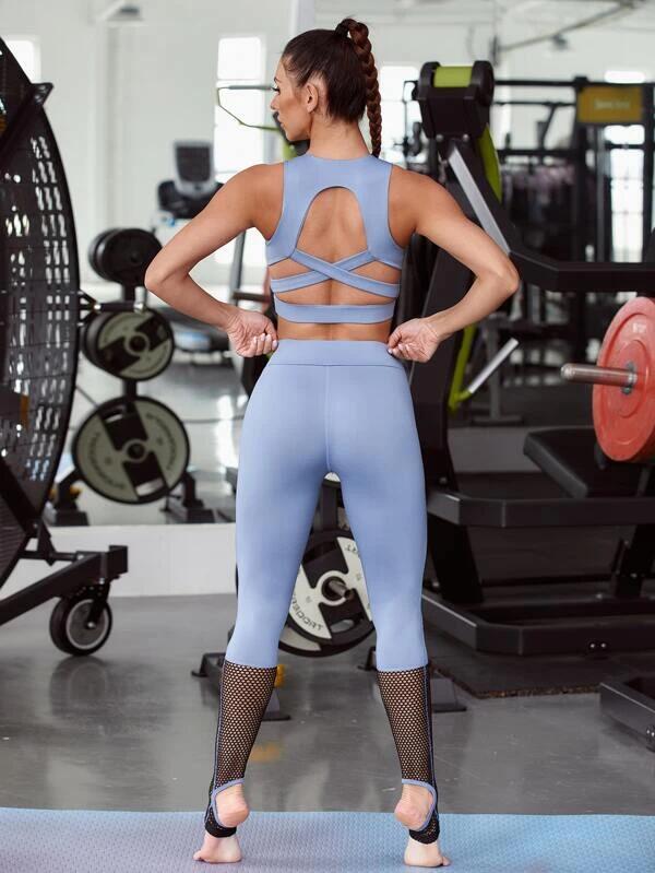 CONJUNTO Sujetador deportivo de espalda con abertura con tiras cruzadas con leggings con malla en contraste