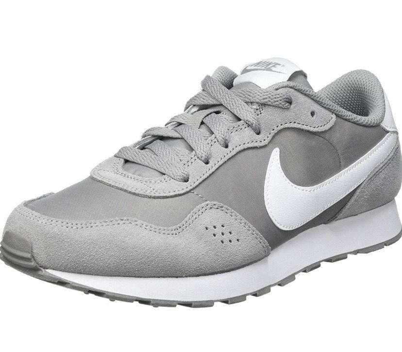 Talla 40 Zapatillas Nike MD Valiant más tallas en descripción