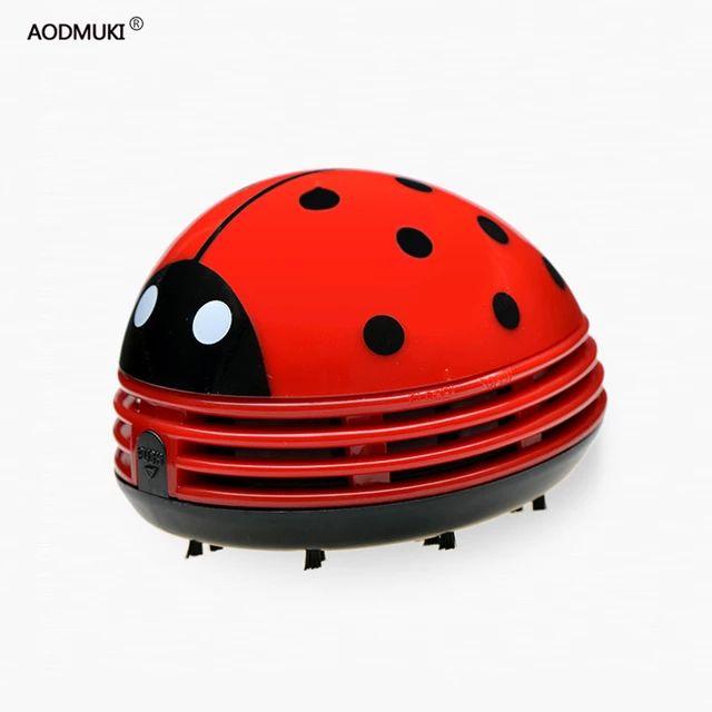 Una pequeña frikada:-Mini Aspiradora Ladybug para mesa.