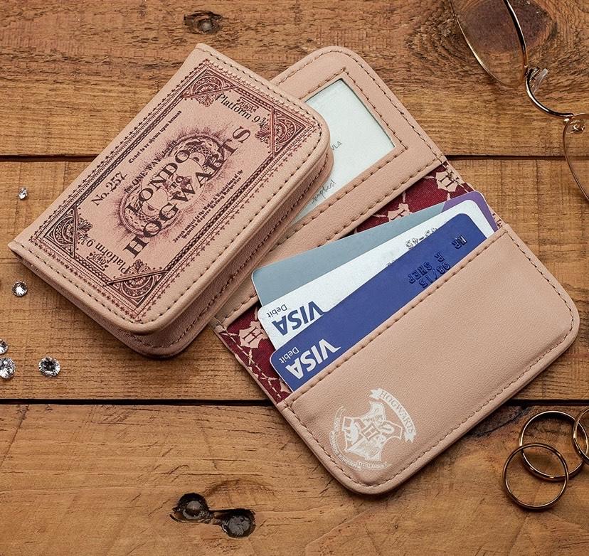 Harry Potter Hogwarts - Cartera para Pasaporte, 10 cm, en preventa