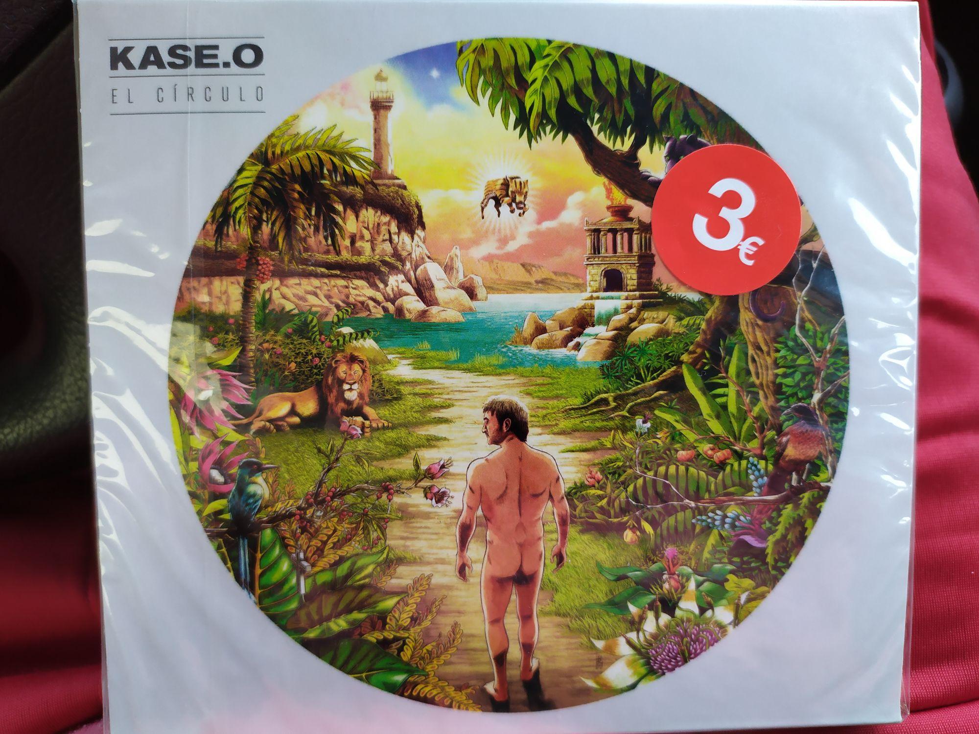 """Disco """"El círculo"""" de Kase O en Eroski Noia."""