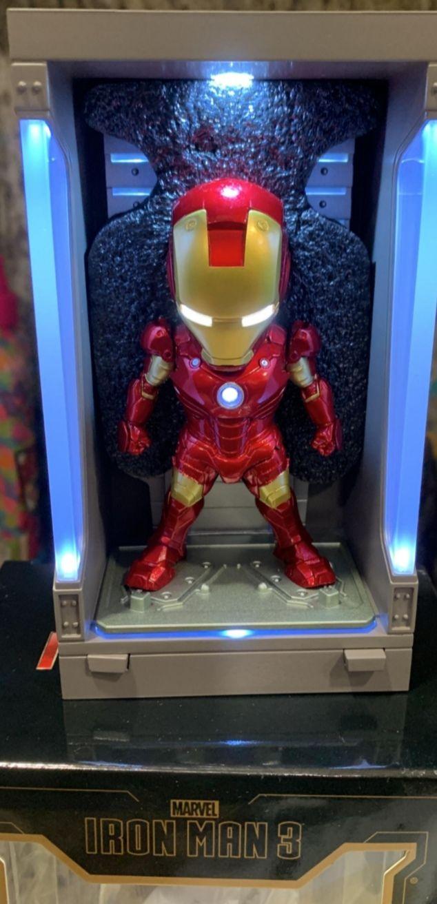 Figura Hall of Armor Iron Man Mark III 8 cm con luz (mínimo)