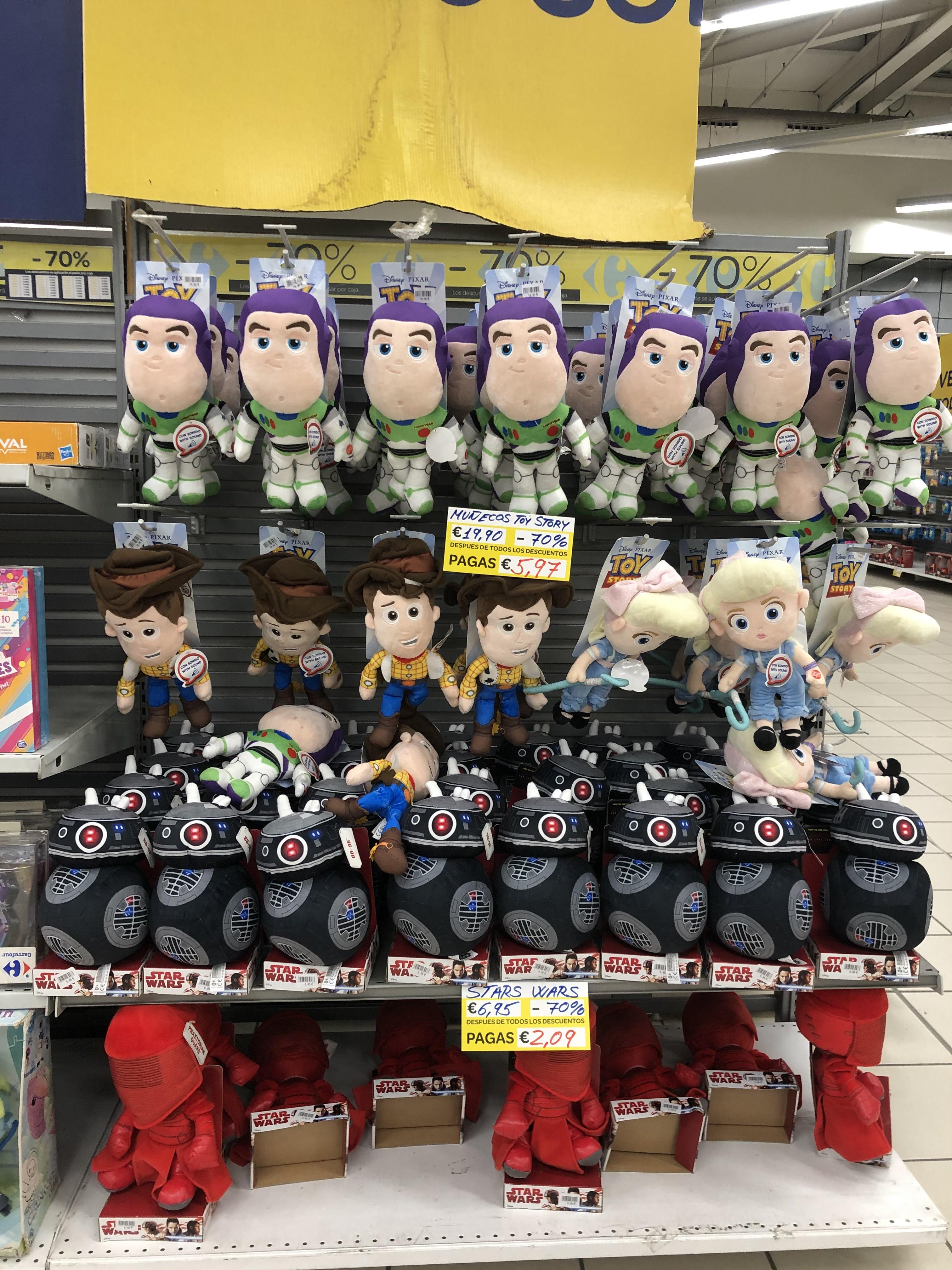 Peluches Star Wars y Toy Story -70% en Carrefour Sur outlet. Jerez de la Frontera.