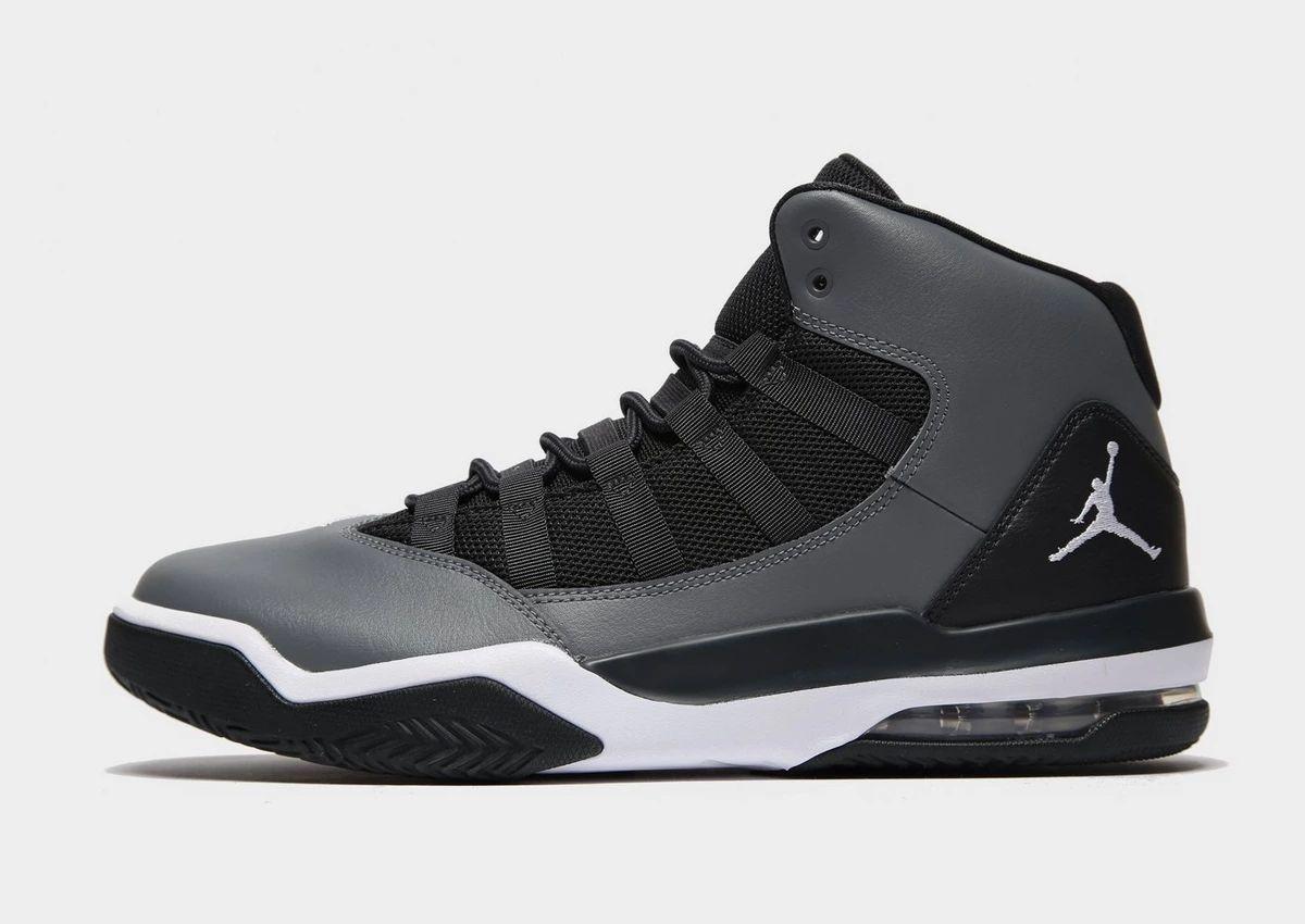 Nike Max Aura