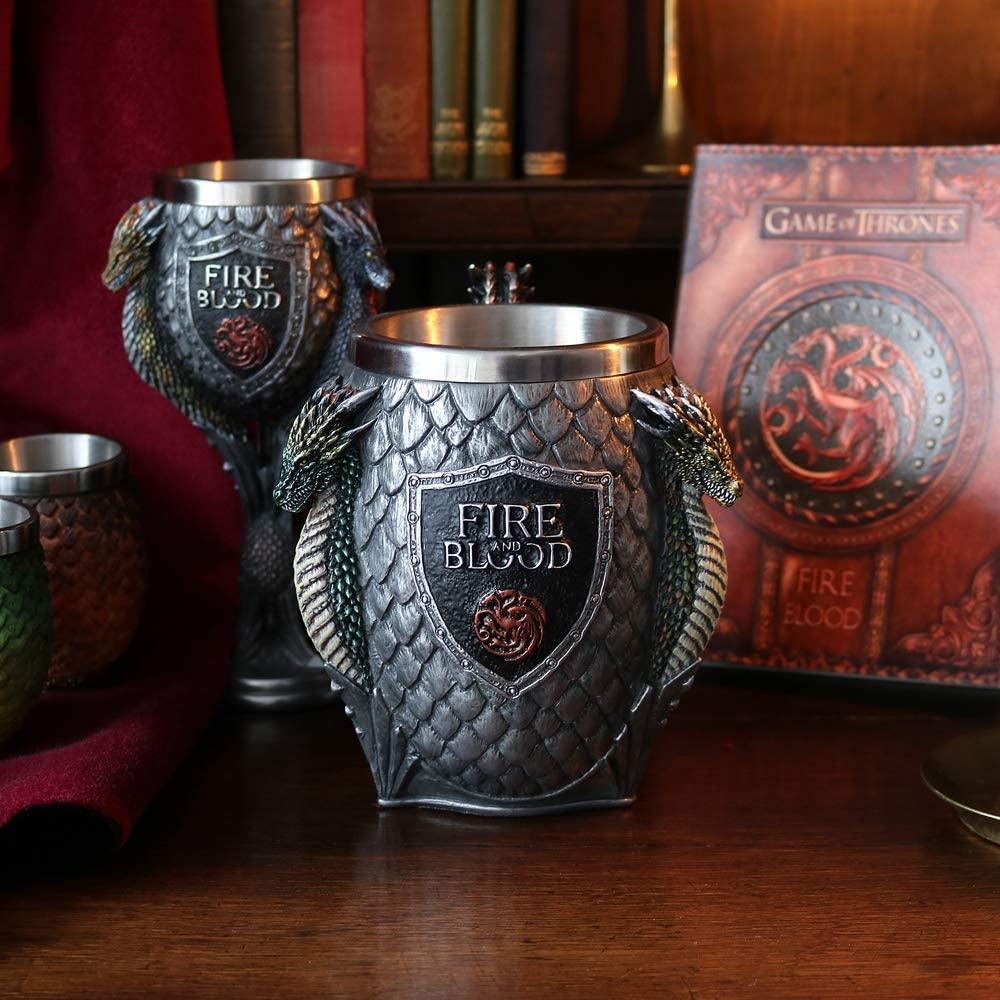 Copas de la Casa Targaryen con relieve (Resina e interior de acero inoxidable) por sólo 19,97€ cada una.