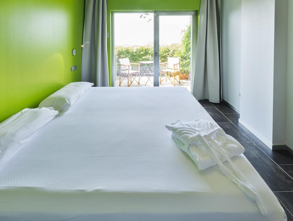 Hotel en Mazagón (Huelva) a 8€/noche. (Noviembre)