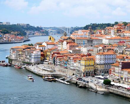 MAYO 4 días en Oporto 59€/p= alojamiento en hostel + vuelos desde Málaga