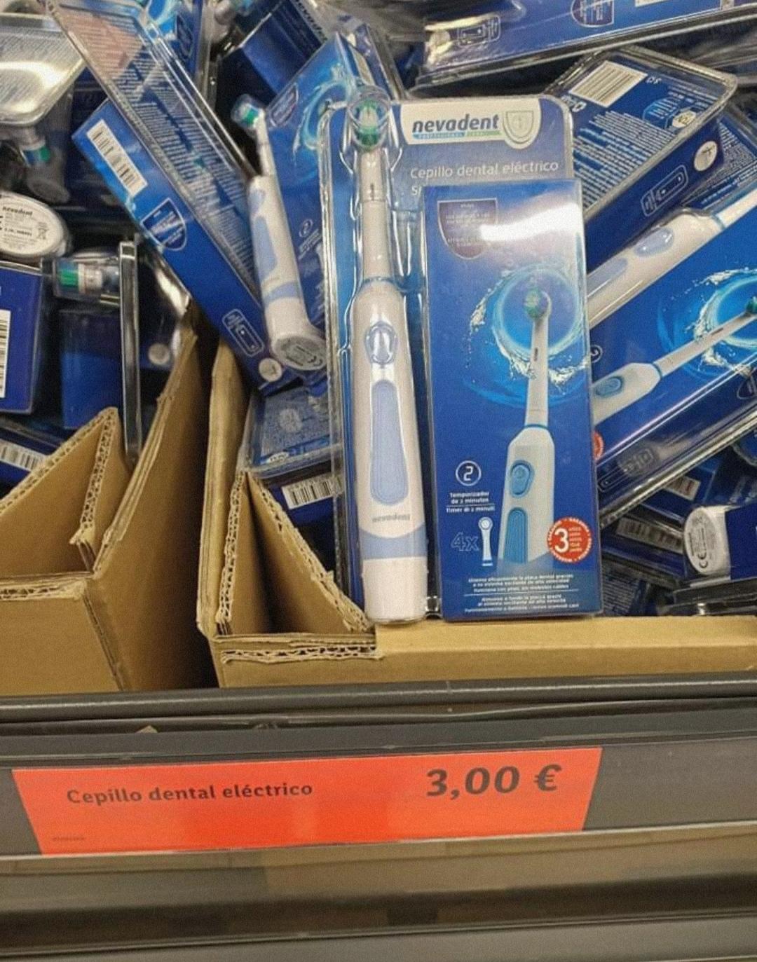 Cepillo dental eléctrico en Factory Discount de Alcalá de Henares