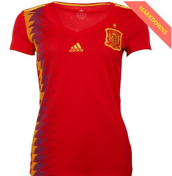 Camisetas de futbol varias de la selección, FC Barcelona, Real Madrid, Real Betis. rebajadas más del 90%