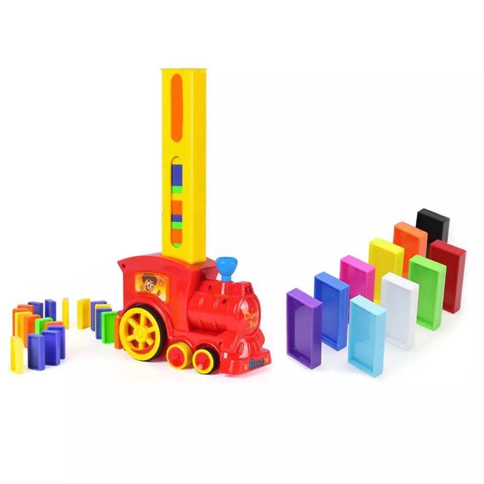 Juguete tren coloca fichas de dominó desde España