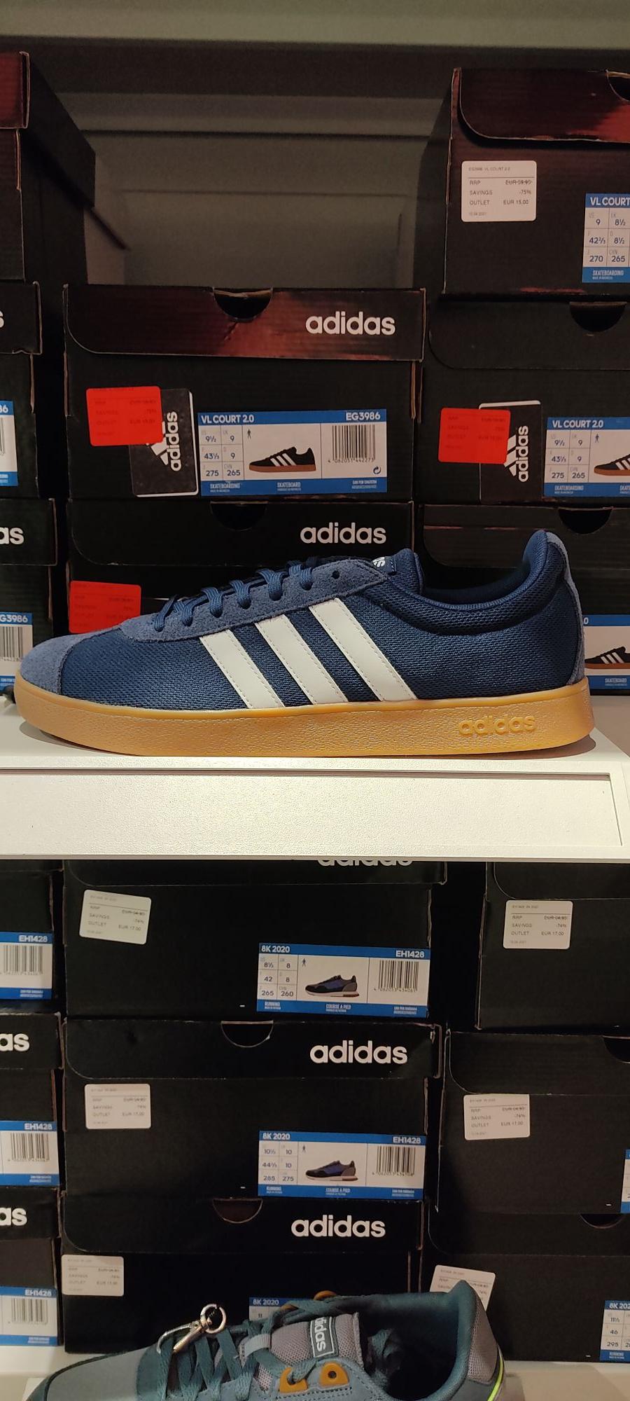 Zapatillas Adidas vl court 2.0 skate en la tienda Adidas del Factory de las Rozas (Madrid)