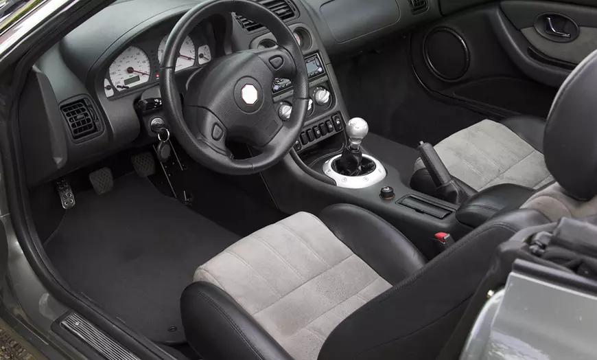 Lavado manual interior y exterior de vehículo